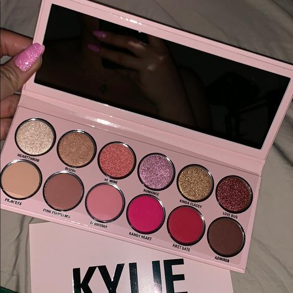 Kylie Cosmetics Other - VALENTINE PALETTE